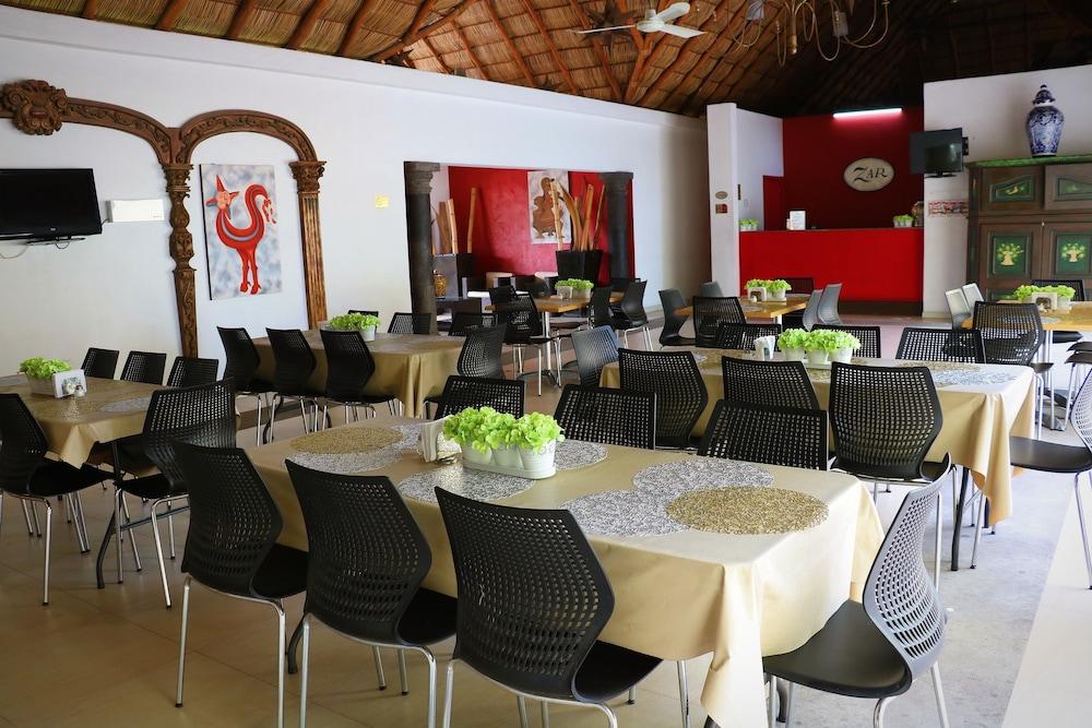 자 만자닐로(Zar Manzanillo) Hotel Image 35 - Restaurant