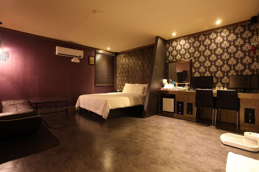 VIV クラシック ホテル