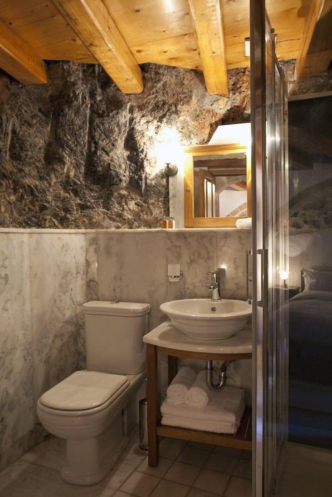리키니아 호텔(Likinia Hotel) Hotel Image 32 - Bathroom