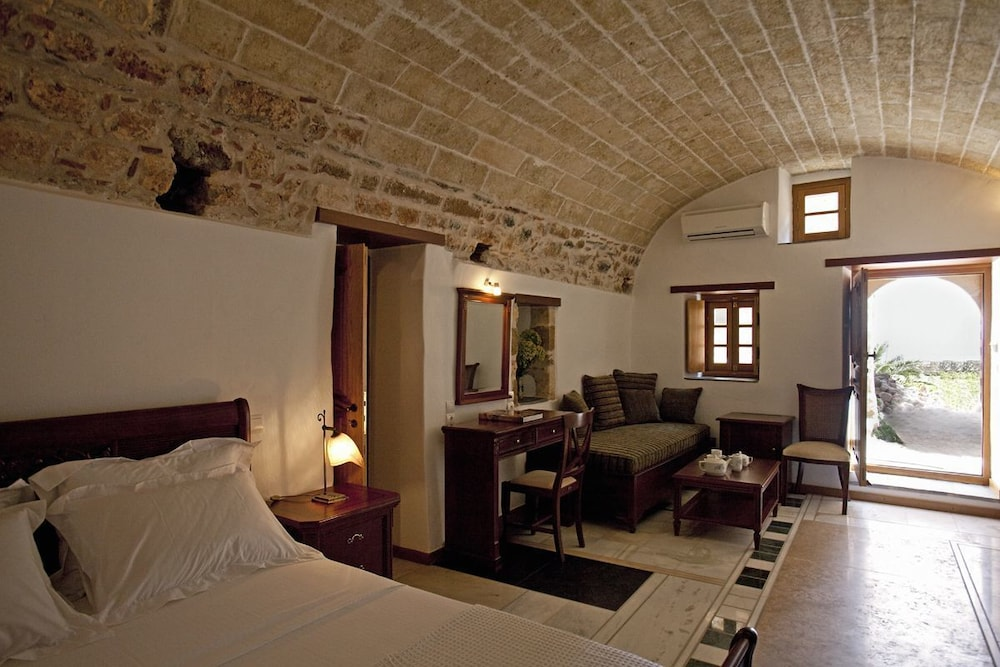 리키니아 호텔(Likinia Hotel) Hotel Image 2 - Guestroom