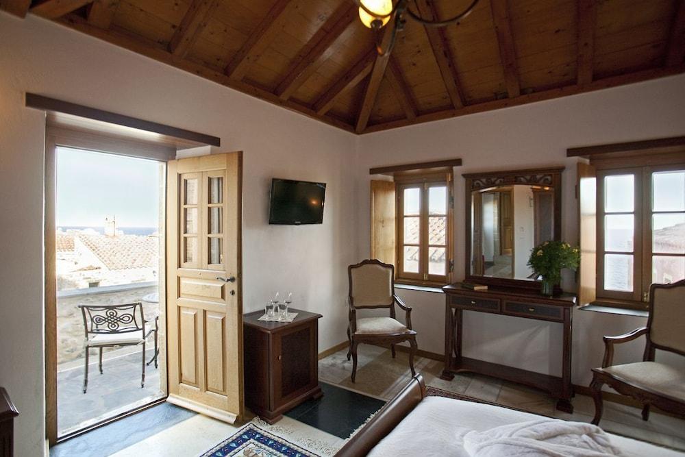 리키니아 호텔(Likinia Hotel) Hotel Image 22 - Living Area