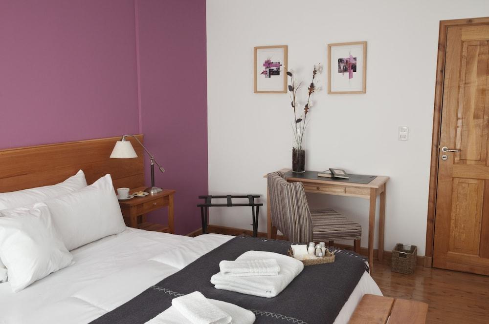 https://i.travelapi.com/hotels/5000000/4630000/4629400/4629364/f4ca8cf7_z.jpg