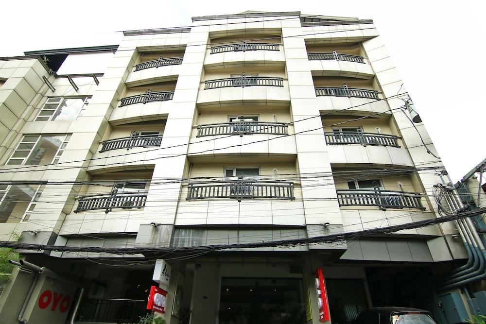 오요 103 아르티나 스위트 호텔(OYO 103 Artina Suites Hotel) Hotel Image 31 - Exterior