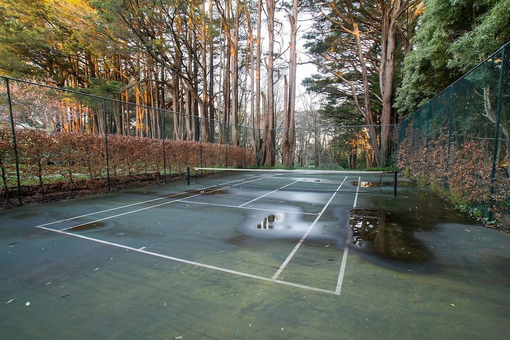 몰튼 파크 카티지스(Moulton Park Cottages) Hotel Image 18 - Tennis Court