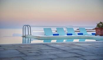 Villa (tramountana)