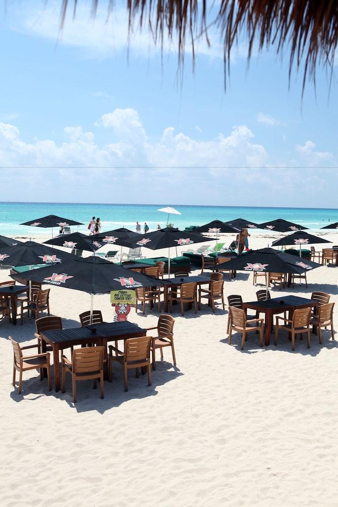 시티 익스프레스 플라야 델 카르멘(City Express Playa del Carmen) Hotel Image 19 - Beach