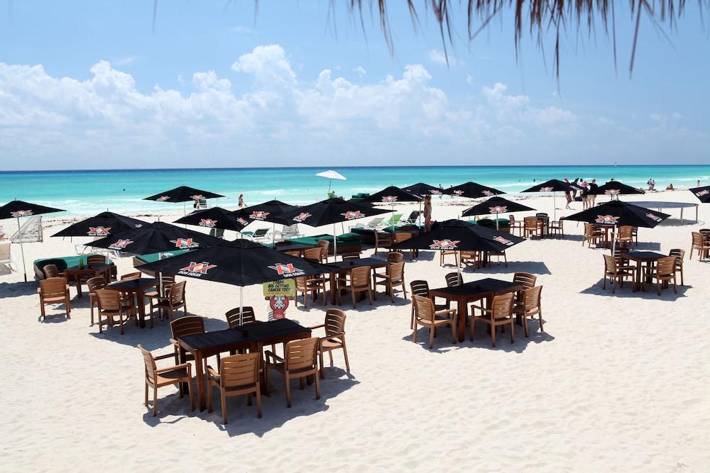 시티 익스프레스 플라야 델 카르멘(City Express Playa del Carmen) Hotel Image 20 - Beach
