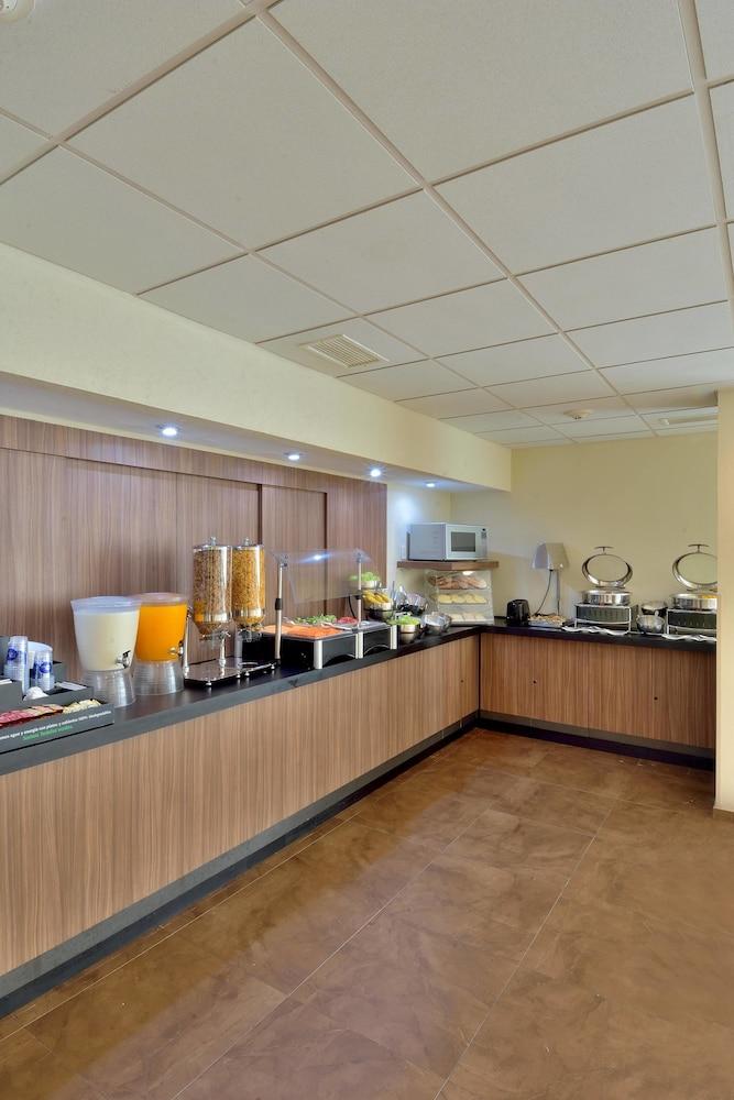 시티 익스프레스 플라야 델 카르멘(City Express Playa del Carmen) Hotel Image 10 - Breakfast Area