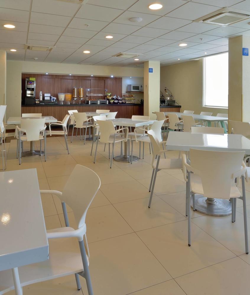 시티 익스프레스 플라야 델 카르멘(City Express Playa del Carmen) Hotel Image 11 - Breakfast Area