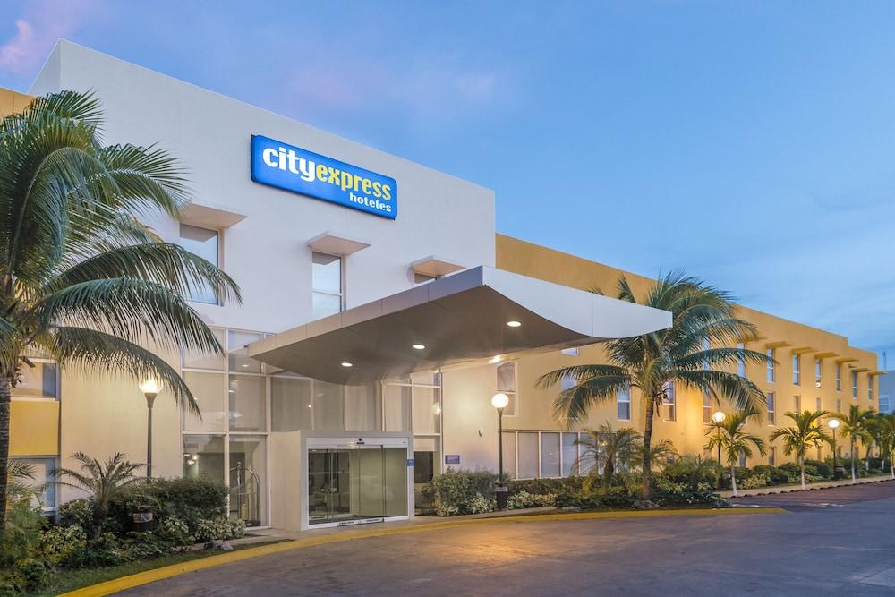 시티 익스프레스 플라야 델 카르멘(City Express Playa del Carmen) Hotel Image 0 - Featured Image