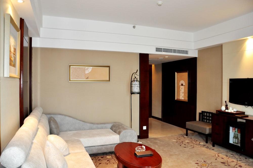 그랜드 스카이라이트 CIMC 호텔 양저우(Grand Skylight CIMC Hotel Yangzhou) Hotel Image 35 - Living Room