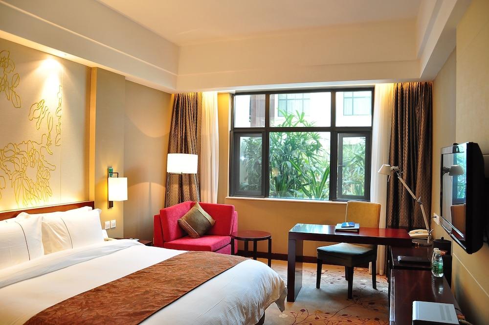 그랜드 스카이라이트 CIMC 호텔 양저우(Grand Skylight CIMC Hotel Yangzhou) Hotel Image 10 - Guestroom