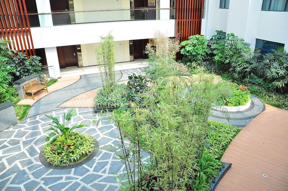 그랜드 스카이라이트 CIMC 호텔 양저우(Grand Skylight CIMC Hotel Yangzhou) Hotel Image 3 - Courtyard