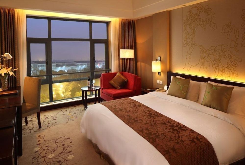 그랜드 스카이라이트 CIMC 호텔 양저우(Grand Skylight CIMC Hotel Yangzhou) Hotel Image 5 - Guestroom
