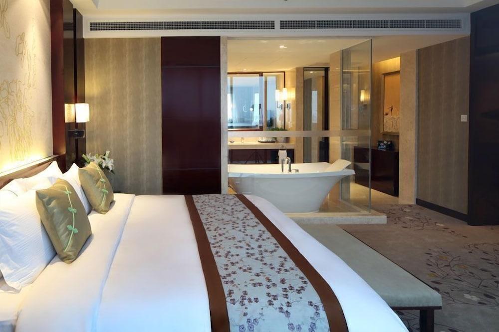 그랜드 스카이라이트 CIMC 호텔 양저우(Grand Skylight CIMC Hotel Yangzhou) Hotel Image 4 - Guestroom