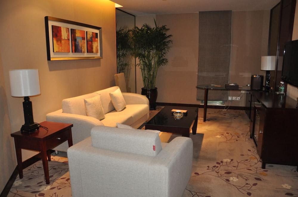 그랜드 스카이라이트 CIMC 호텔 양저우(Grand Skylight CIMC Hotel Yangzhou) Hotel Image 19 - Living Room