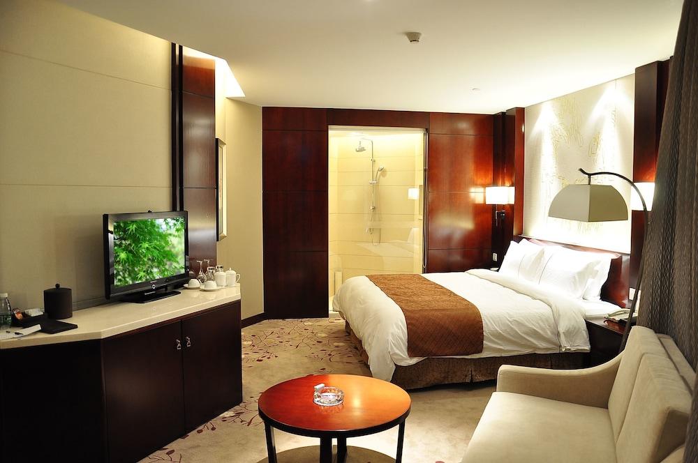 그랜드 스카이라이트 CIMC 호텔 양저우(Grand Skylight CIMC Hotel Yangzhou) Hotel Image 7 - Guestroom
