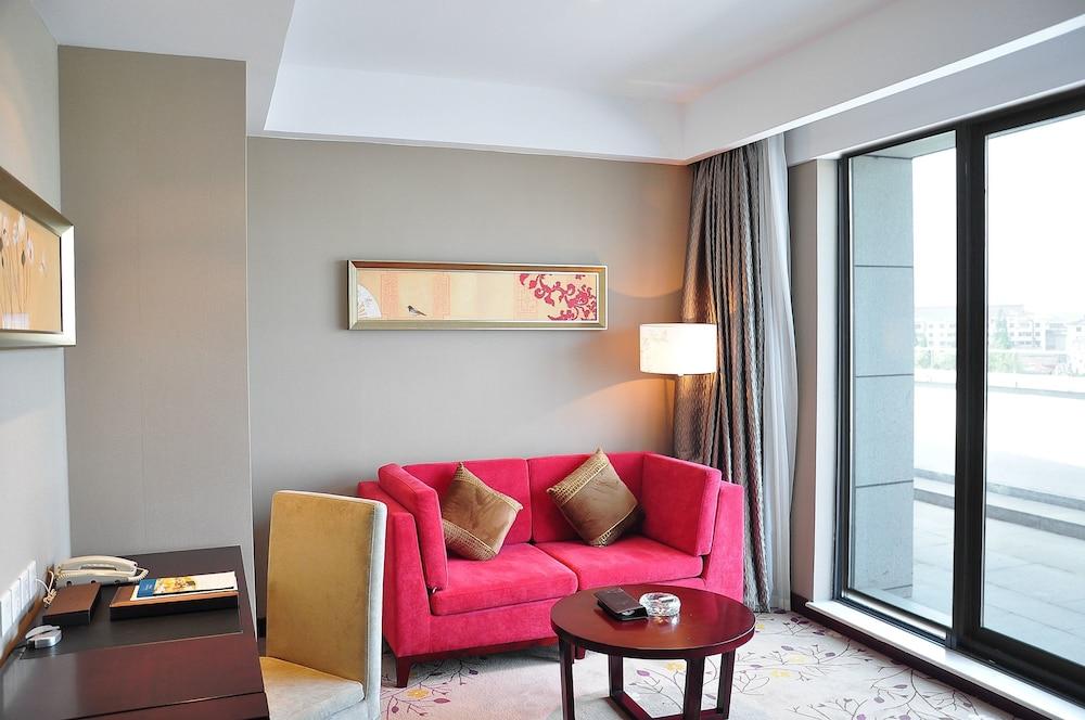 그랜드 스카이라이트 CIMC 호텔 양저우(Grand Skylight CIMC Hotel Yangzhou) Hotel Image 17 - Living Room