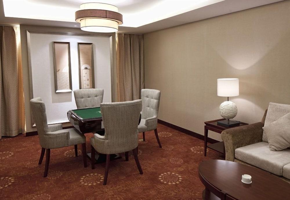 그랜드 스카이라이트 CIMC 호텔 양저우(Grand Skylight CIMC Hotel Yangzhou) Hotel Image 1 - Lobby Sitting Area