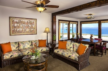 Deluxe Room, 1 King Bed with Sofa bed, Ocean View