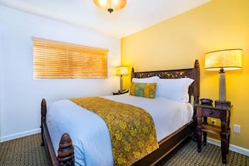 Deluxe Room, 1 Queen Bed, Partial View