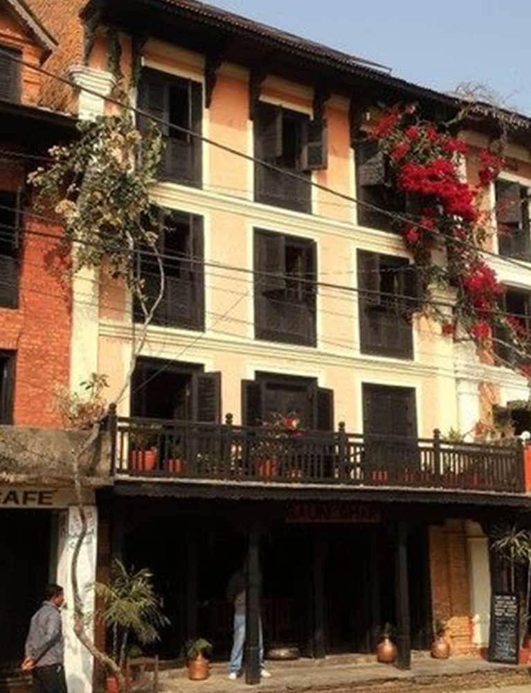가운 가(Gaun Ghar) Hotel Image 19 - Hotel Entrance