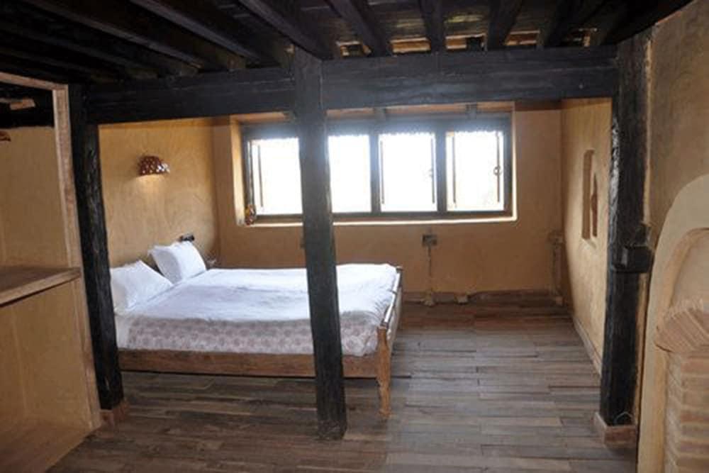 가운 가(Gaun Ghar) Hotel Image 6 - Guestroom