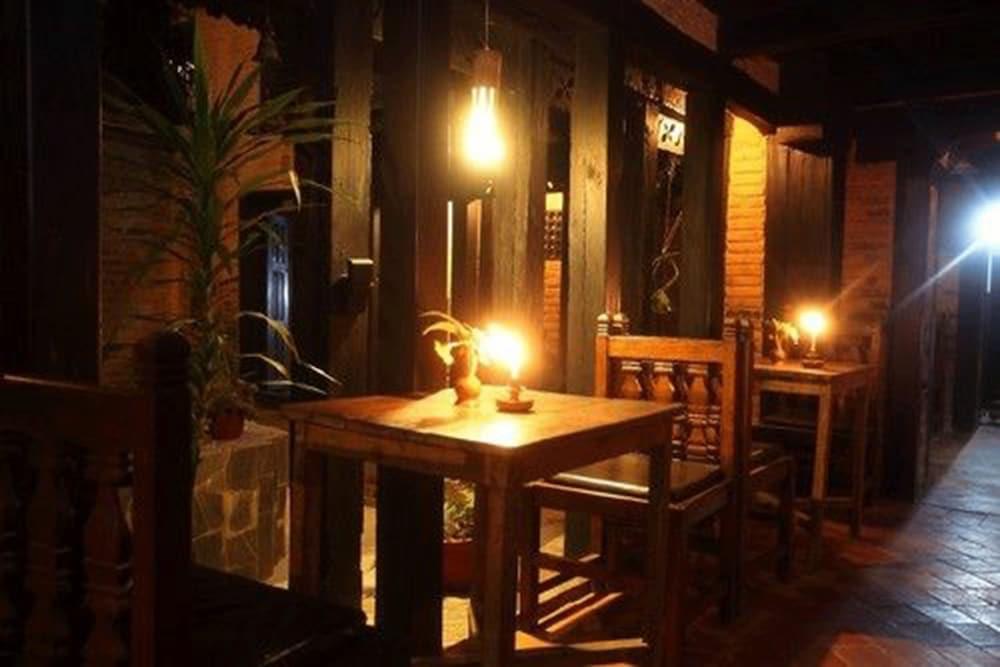 가운 가(Gaun Ghar) Hotel Image 14 - Dining