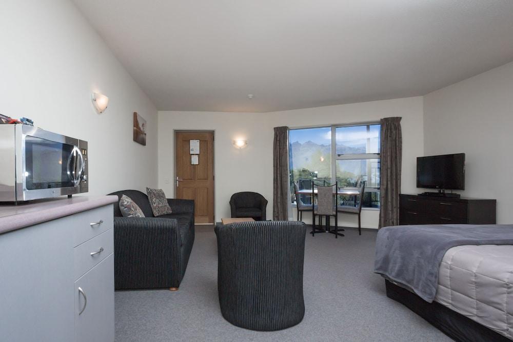 알렉시스 모텔 & 아파트먼트(Alexis Motels & Apartments) Hotel Image 7 - Guestroom