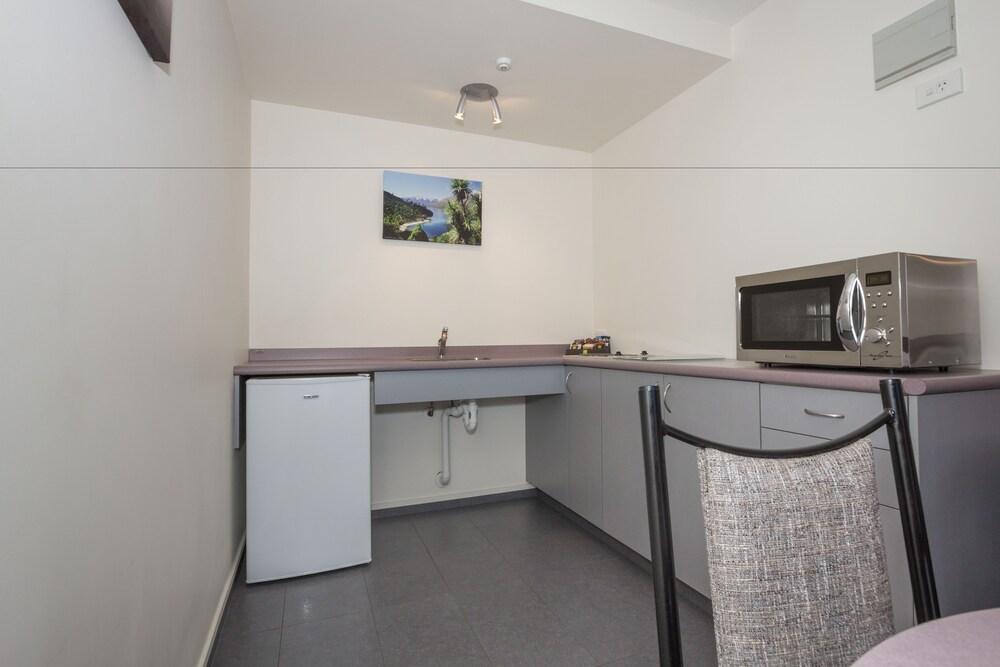 알렉시스 모텔 & 아파트먼트(Alexis Motels & Apartments) Hotel Image 14 - In-Room Kitchen