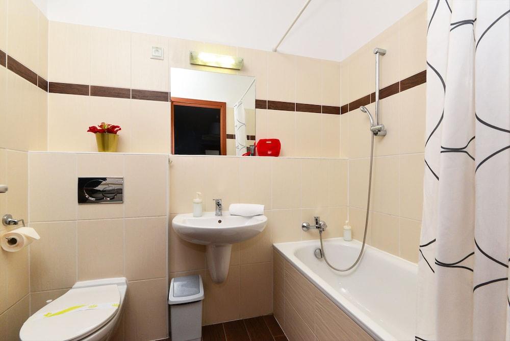 로드 레지던스(Lord Residence) Hotel Image 37 - Bathroom