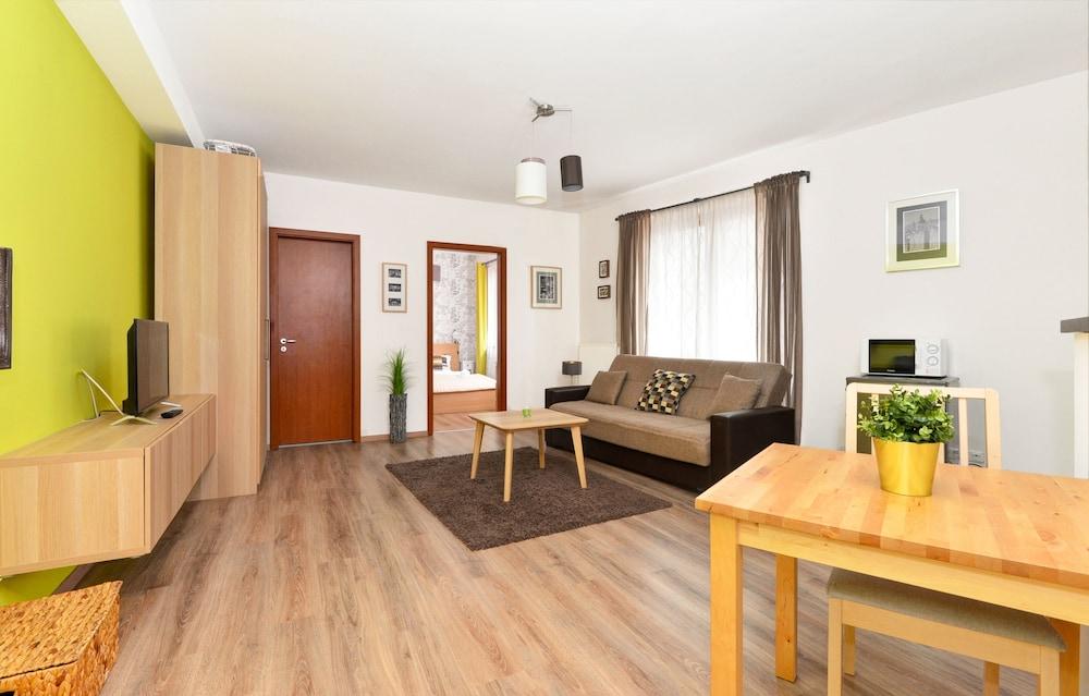 로드 레지던스(Lord Residence) Hotel Image 29 - Living Area