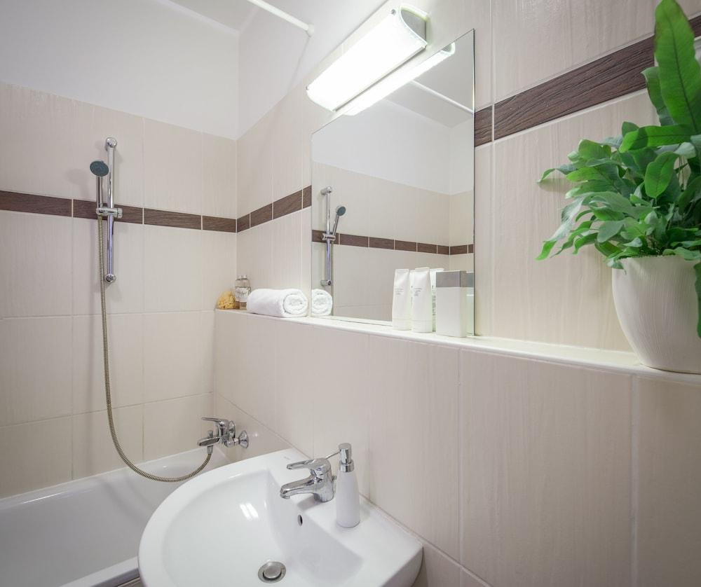 로드 레지던스(Lord Residence) Hotel Image 36 - Bathroom