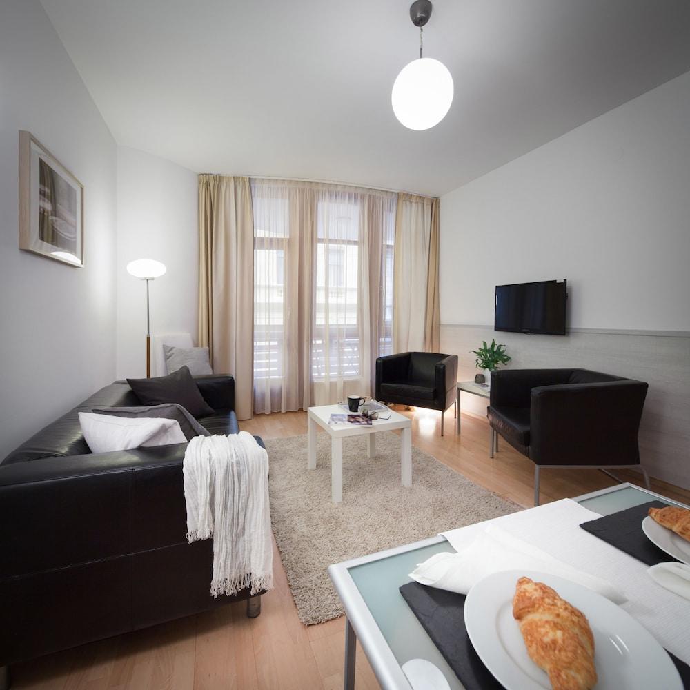 로드 레지던스(Lord Residence) Hotel Image 25 - Living Area