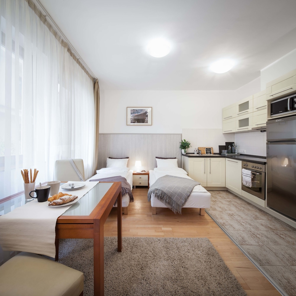 로드 레지던스(Lord Residence) Hotel Image 23 - Living Area
