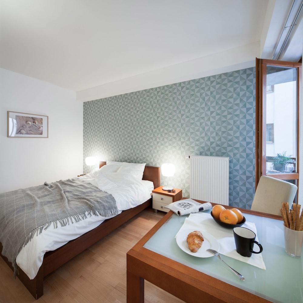 로드 레지던스(Lord Residence) Hotel Image 22 - Living Area