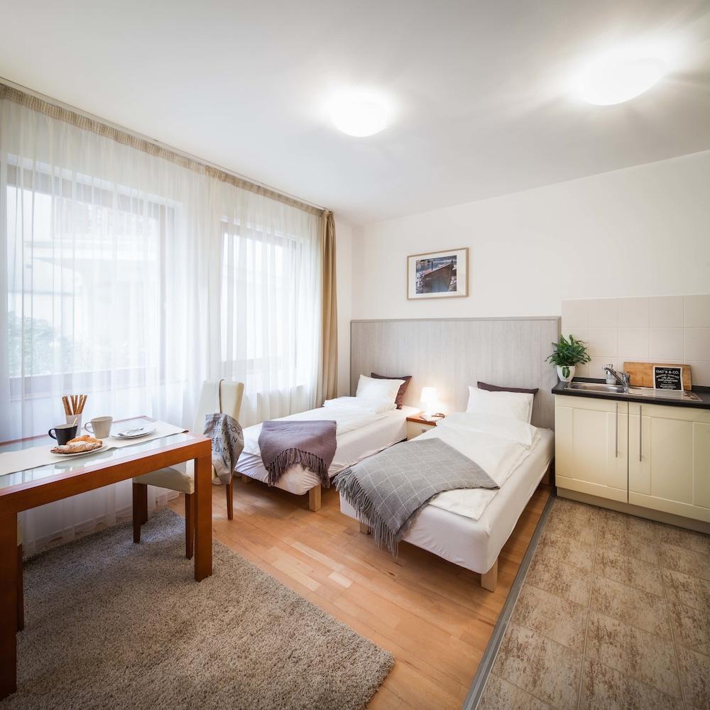 로드 레지던스(Lord Residence) Hotel Image 32 - Living Room