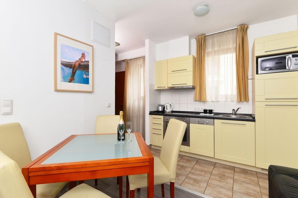 로드 레지던스(Lord Residence) Hotel Image 21 - In-Room Kitchenette