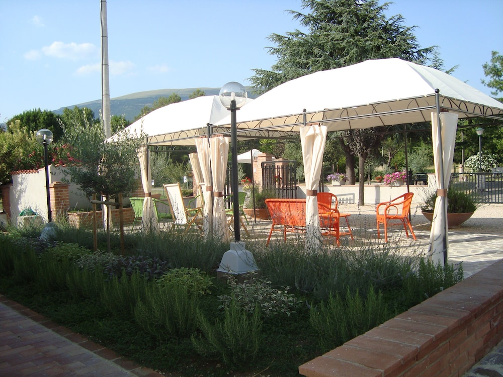 테라 데이 산티 컨트리 하우스(Terra dei Santi Country House) Hotel Image 91 - Terrace/Patio
