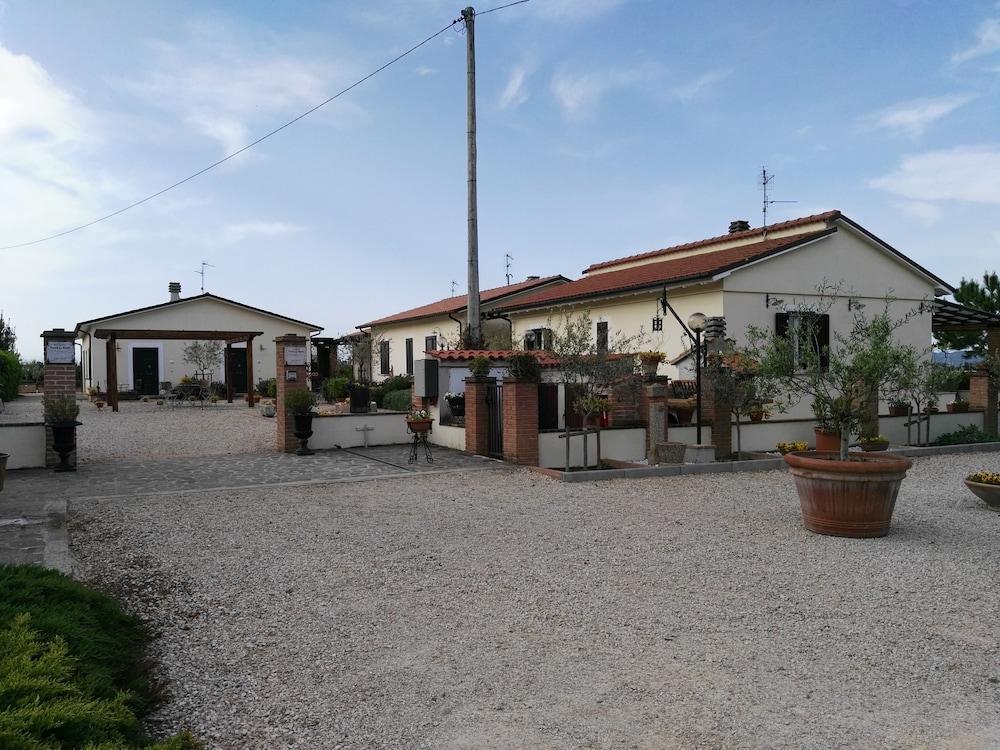 테라 데이 산티 컨트리 하우스(Terra dei Santi Country House) Hotel Image 55 - Interior Entrance