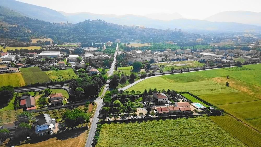 테라 데이 산티 컨트리 하우스(Terra dei Santi Country House) Hotel Image 104 - Aerial View