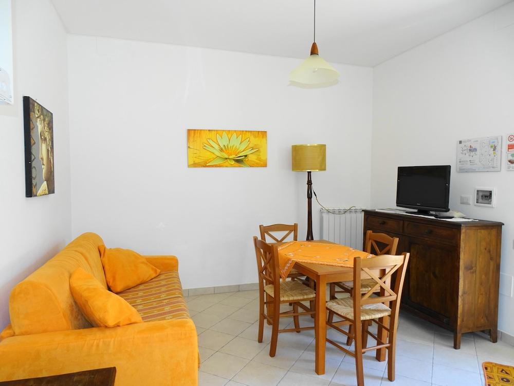 테라 데이 산티 컨트리 하우스(Terra dei Santi Country House) Hotel Image 35 - Living Area