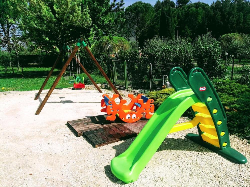 테라 데이 산티 컨트리 하우스(Terra dei Santi Country House) Hotel Image 77 - Childrens Play Area - Outdoor
