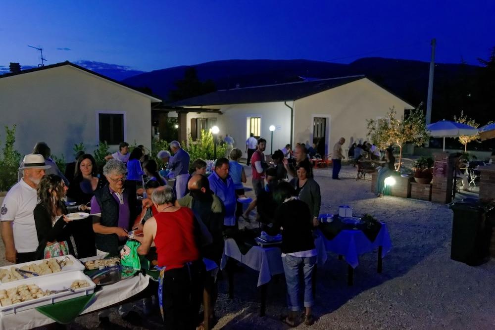 테라 데이 산티 컨트리 하우스(Terra dei Santi Country House) Hotel Image 87 - Outdoor Dining