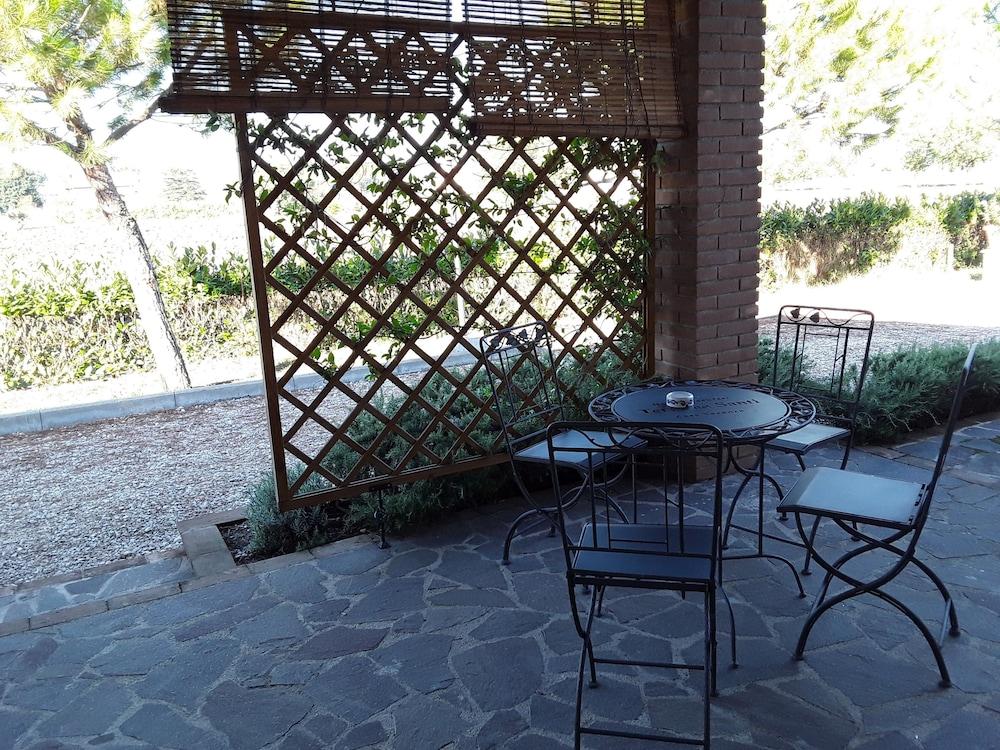 테라 데이 산티 컨트리 하우스(Terra dei Santi Country House) Hotel Image 109 - Terrace/Patio