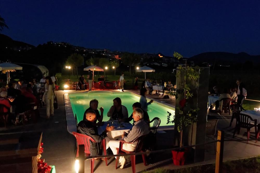 테라 데이 산티 컨트리 하우스(Terra dei Santi Country House) Hotel Image 72 - Outdoor Pool