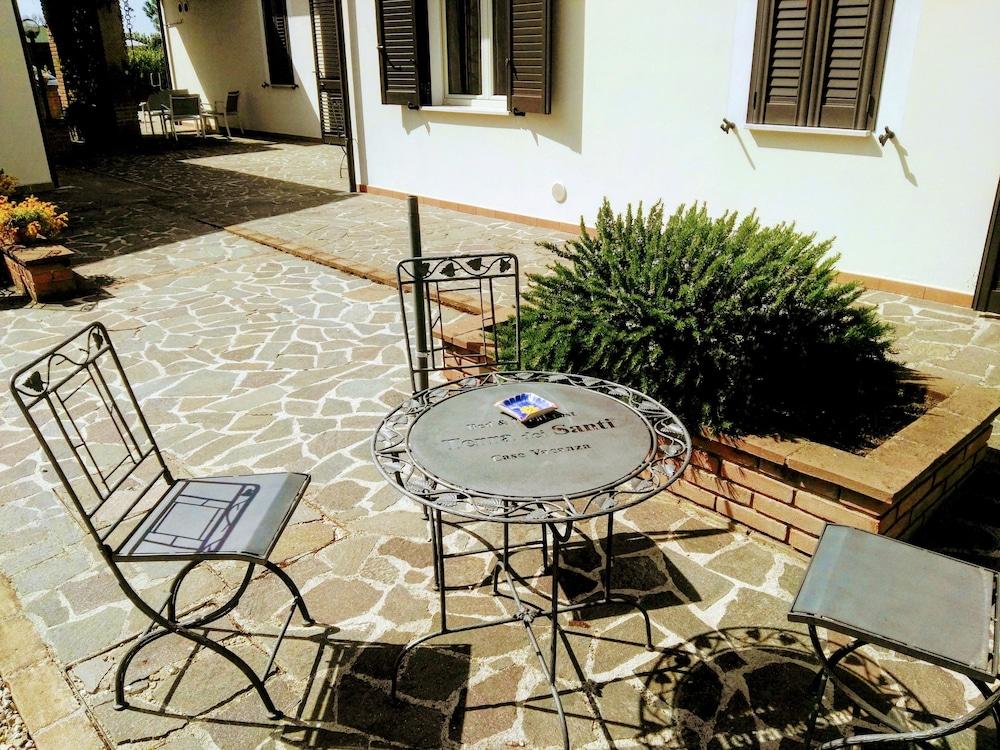 테라 데이 산티 컨트리 하우스(Terra dei Santi Country House) Hotel Image 96 - Terrace/Patio
