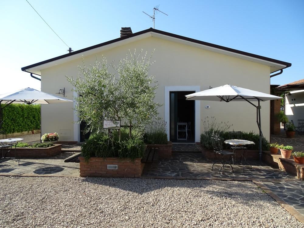 테라 데이 산티 컨트리 하우스(Terra dei Santi Country House) Hotel Image 46 - Terrace/Patio