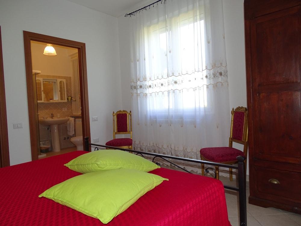 테라 데이 산티 컨트리 하우스(Terra dei Santi Country House) Hotel Image 19 - Guestroom