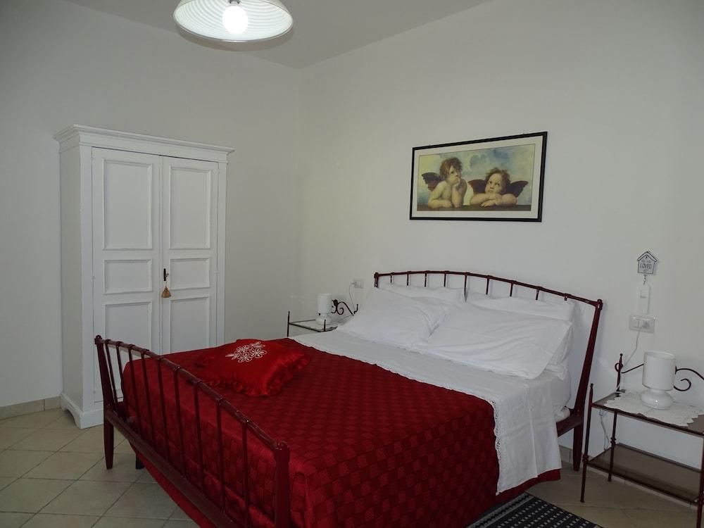 테라 데이 산티 컨트리 하우스(Terra dei Santi Country House) Hotel Image 12 - Guestroom